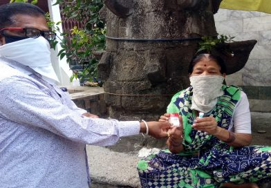 Free distribution of homeopathic pills and sanitizers